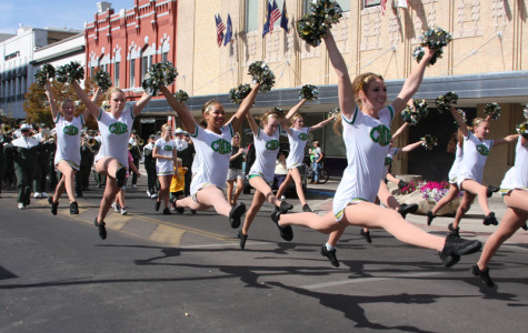 Wranglers take Central Avenue by storm during Homecoming parade