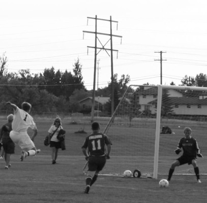 Soccer+girls%2C+boys+celebrate+Homecoming+week+with+victories