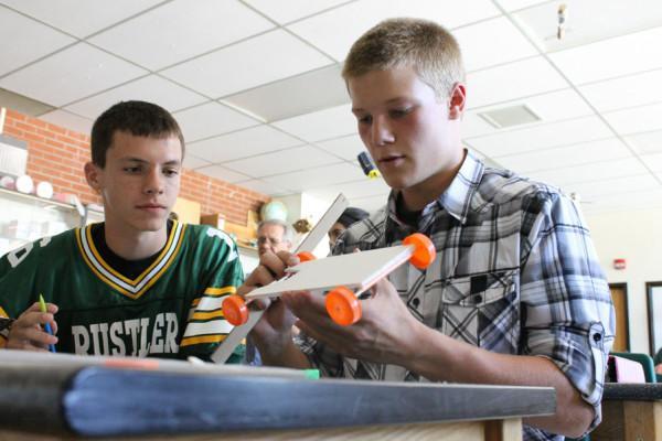 SCIENCE TEACHER KICKSTARTS SCHOOL YEAR WITH ANNUAL PROJECT