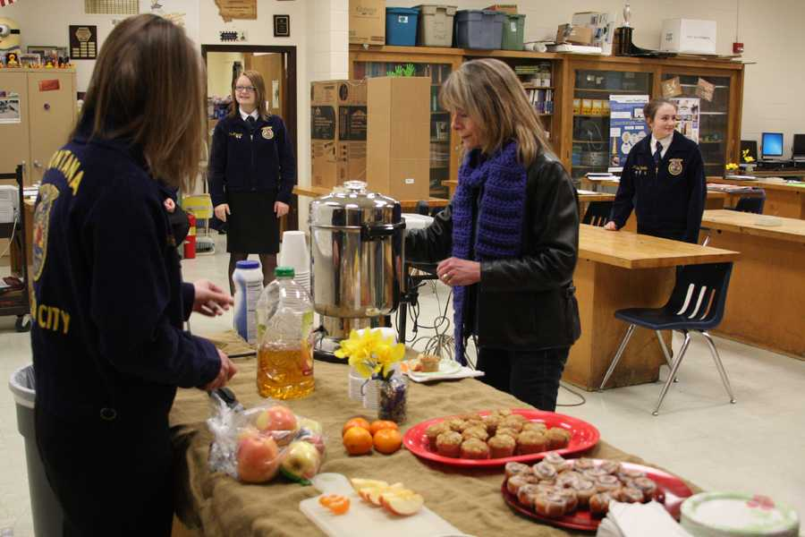 FFA+HOSTS+BREAKFAST+AS+PART+OF+NATIONAL+FFA+WEEK