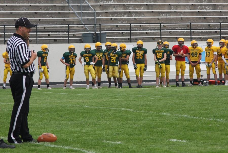 TEAM+PREPARES+TO+HIT+THE+GRIDIRON