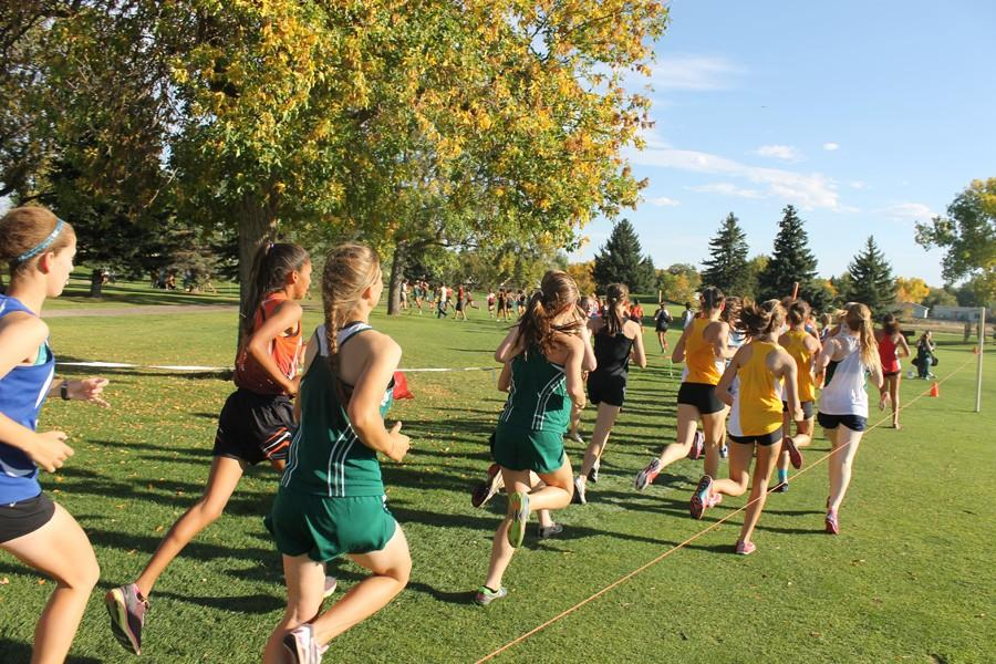 RUNNERS+COMPETE+AT+GREAT+FALLS+INVITE