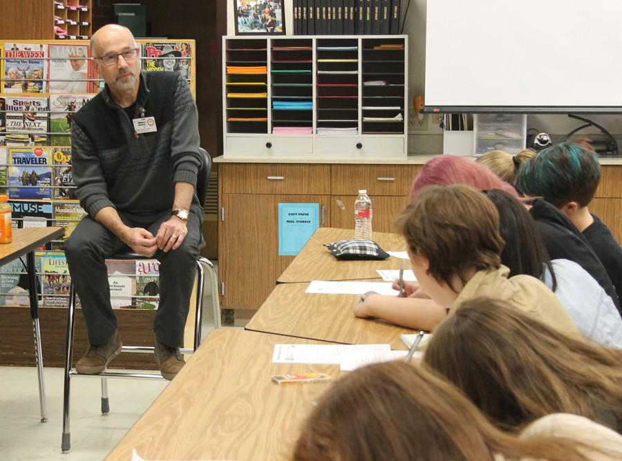 UM Journalism Dean Larry Abramson spent two hours with CMR journalism students on Oct. 23.