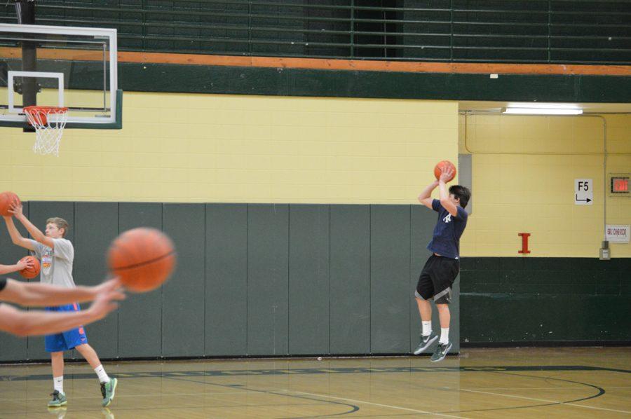 Senior+is+ecstatic+for+upcoming+basketball+season