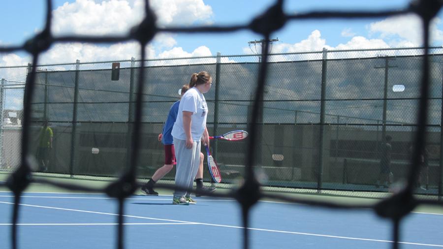 As+tennis+season+ends%2C+freshman+gym+class+tests+its+skills