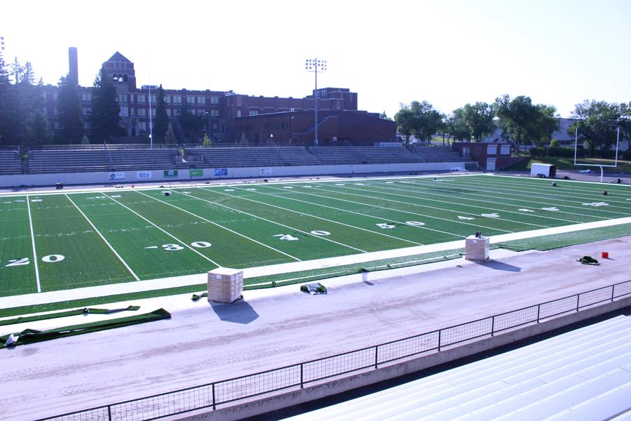 Memorial+Stadium+turf+work+continues