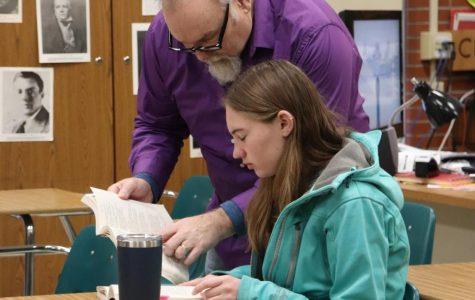 Retiring English teacher offers advice to seniors